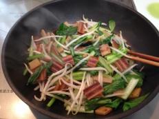 さきかまカレー味と野菜のごま油炒め 炒める